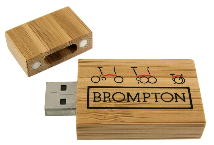 Eco USB Flash Drive Bamboo Block opened