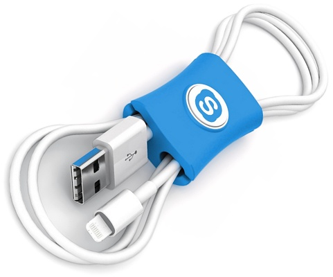 Cable Tidy Snappi™ blue with iPhone cable